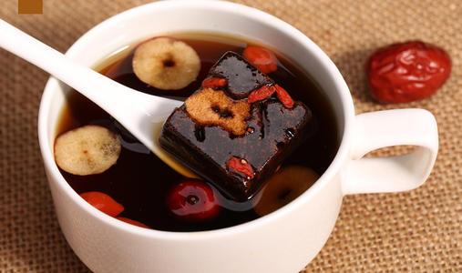 红方糖煮枣姜水